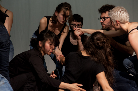 """Performance """"Seul(e), les oiseaux"""""""